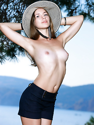 Showy Beauty  Amelia  Brunettes, Funny, Skinny, Striptease